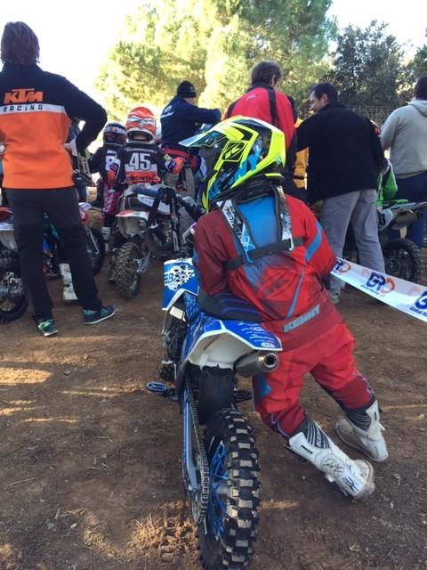 Madison am Warten für die Trainingsrunden vor dem offiziellen Rennen